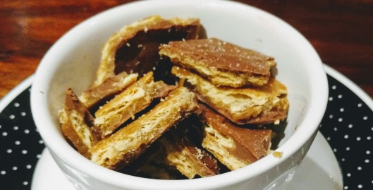 salted-cracker-chocolate-toffee